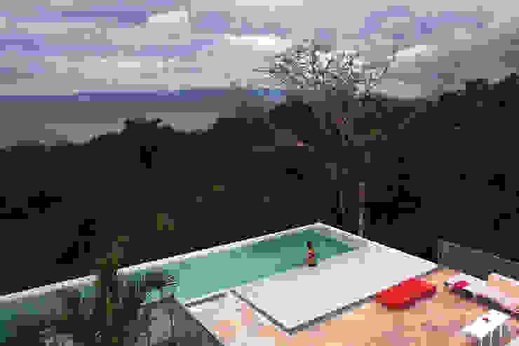 Casa Torcida Modern Pool by SPG Architects Modern