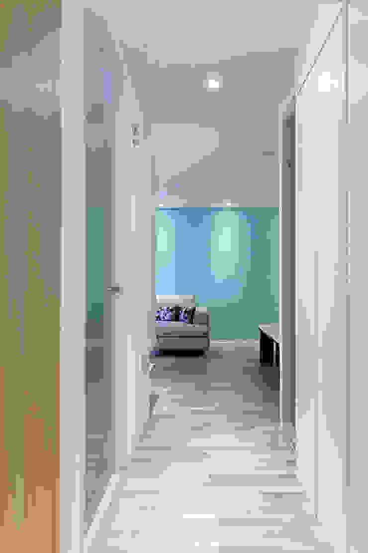 三角和諧 現代風玄關、走廊與階梯 根據 大晴設計有限公司 現代風