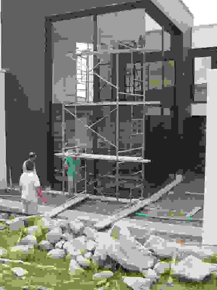 Vivienda Unifamiliar Casas de estilo clásico de CJM ARQUITECTOS Clásico