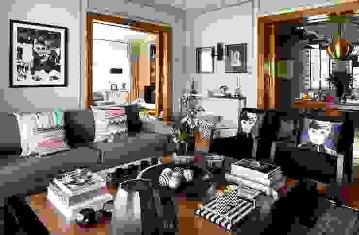 Living room by Esra Kazmirci Mimarlik, Mediterranean