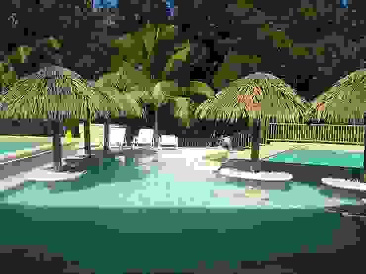 Cabañas Ecologicas Casas de estilo tropical de palma y madera.com Tropical