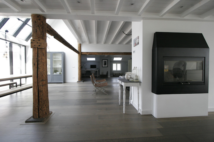 Living room by Van der Schoot Architecten bv BNA, Country Wood Wood effect