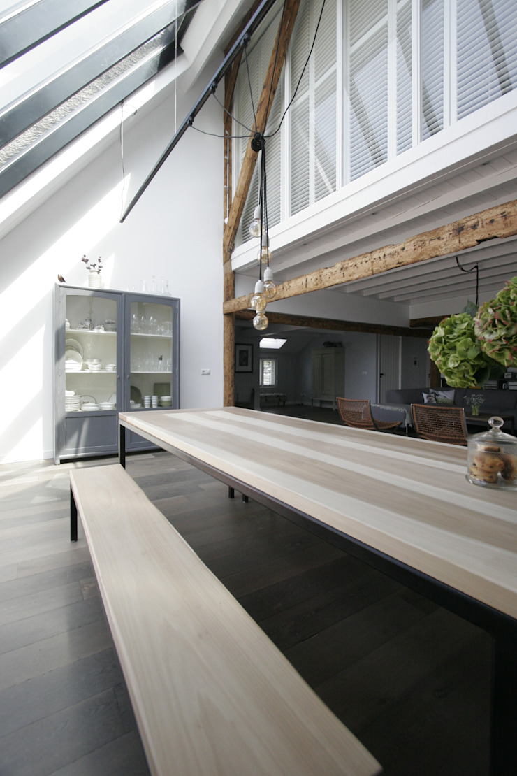 Country style living room by Van der Schoot Architecten bv BNA Country Wood Wood effect