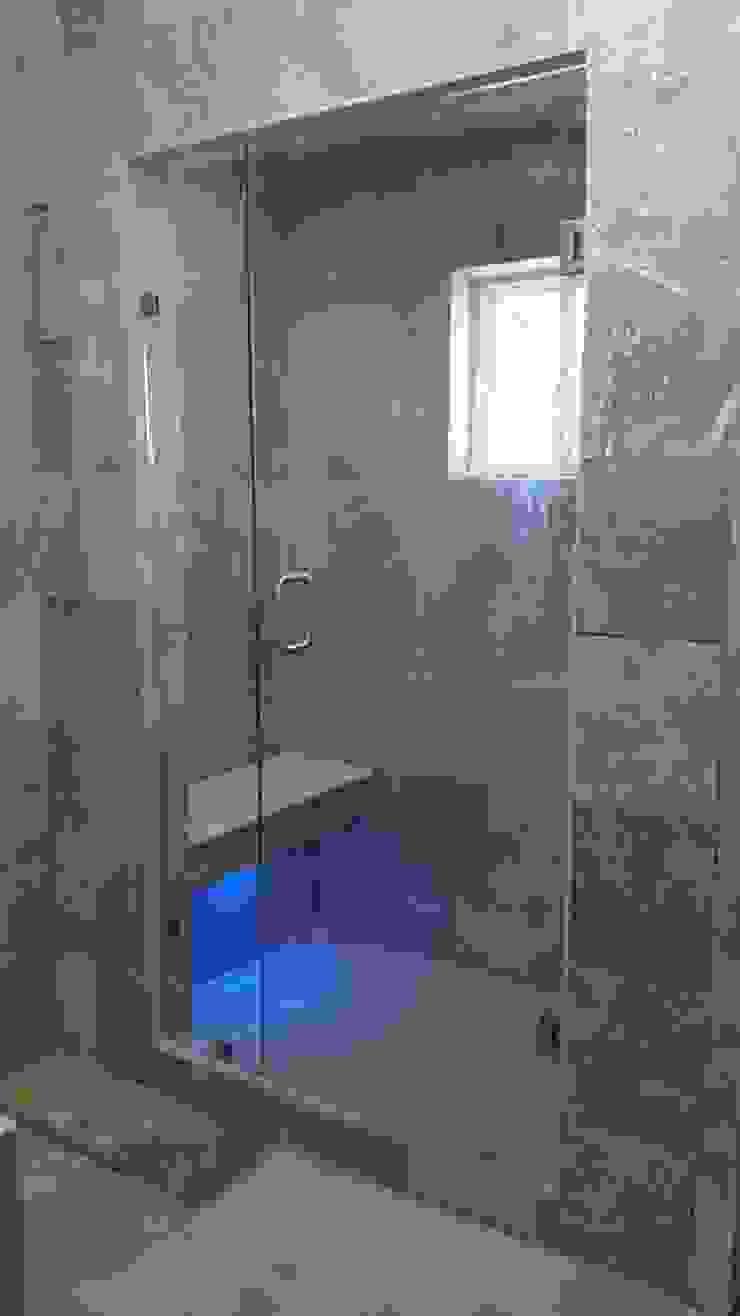 Baños Baños modernos de Vitroark Moderno