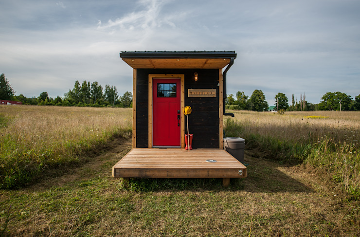 Greenmoxie Tiny House by Greenmoxie Magazine Minimalist لکڑی Wood effect