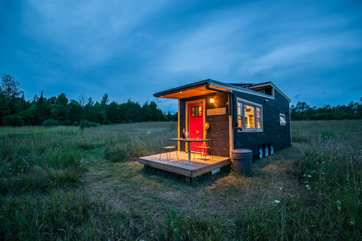 Greenmoxie Tiny House Greenmoxie Magazine Minimalist house Wood Black
