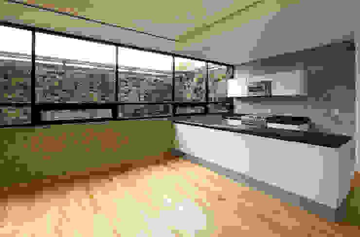 P49 Cocinas modernas de Taller Plan A Moderno