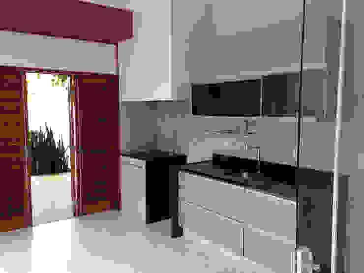 Dapur Modern Oleh Lozí - Projeto e Obra Modern
