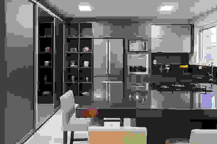Residência N+C Cozinhas modernas por ANDRÉ PACHECO ARQUITETURA Moderno