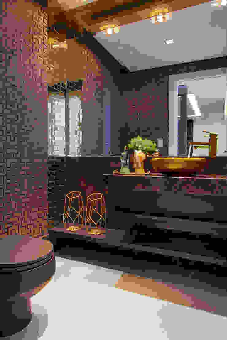 ANDRÉ PACHECO ARQUITETURA Modern bathroom
