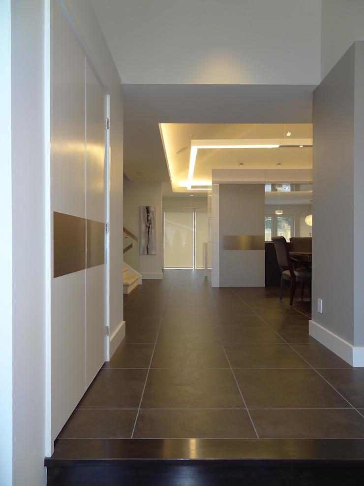 Burlington Residence Modern Corridor, Hallway and Staircase by Lex Parker Design Consultants Ltd. Modern