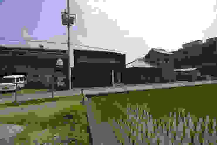 風の家の外観 日本家屋・アジアの家 の 森村厚建築設計事務所 和風 木 木目調