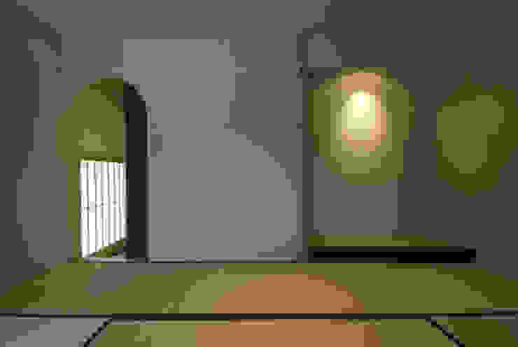 風の家の和室 和風デザインの 多目的室 の 森村厚建築設計事務所 和風 無垢材 多色