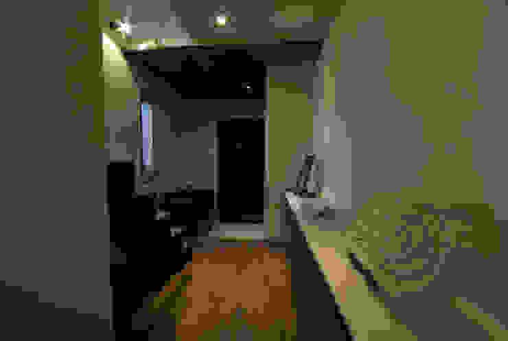風の家の玄関 和風の 玄関&廊下&階段 の 森村厚建築設計事務所 和風 無垢材 多色