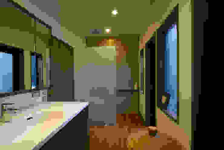 風の家の洗面所 和風の お風呂 の 森村厚建築設計事務所 和風 ガラス