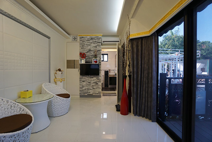 築地岩移動宅 Asiatische Wohnzimmer Ziegel Weiß