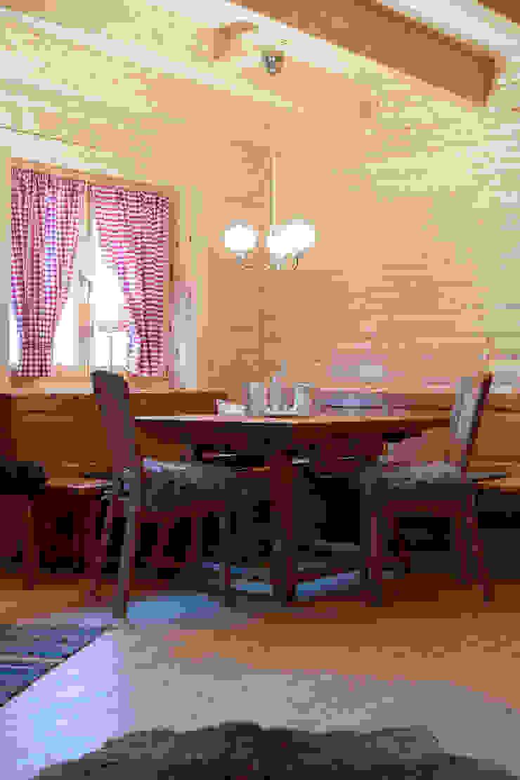 THULE Blockhaus GmbH - Ihr Fertigbausatz für ein Holzhaus Scandinavian style dining room Wood