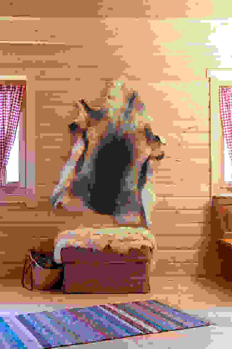 THULE Blockhaus GmbH - Ihr Fertigbausatz für ein Holzhaus Living room Wood