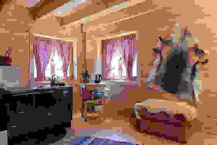 Scandinavian style kitchen by THULE Blockhaus GmbH - Ihr Fertigbausatz für ein Holzhaus Scandinavian Wood Wood effect