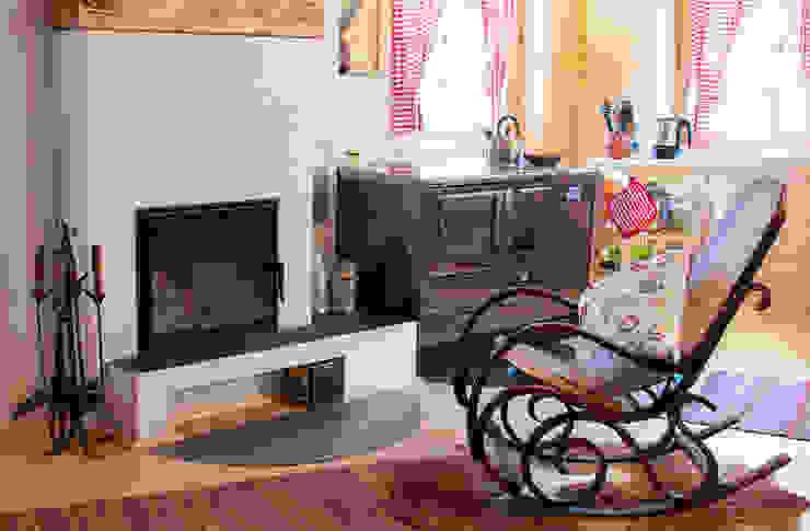 Scandinavian style living room by THULE Blockhaus GmbH - Ihr Fertigbausatz für ein Holzhaus Scandinavian Wood Wood effect