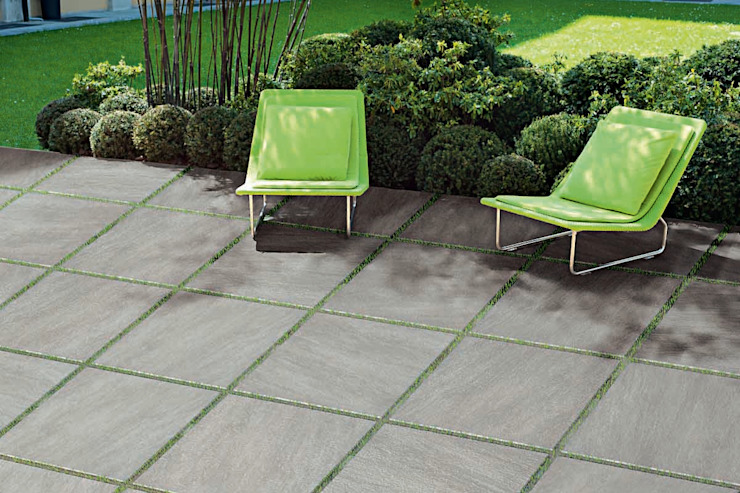 Technical effect floor tiles stone grey Modern garden by ItalianGres Modern