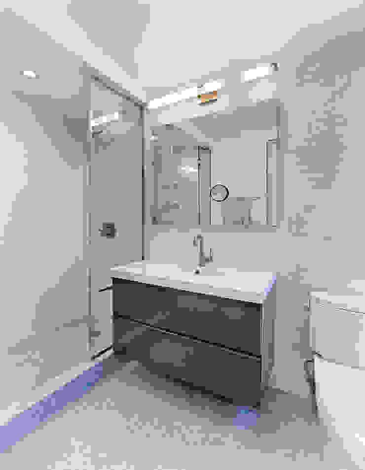 Bathroom Modern Bathroom by Greg Colston Architect Modern