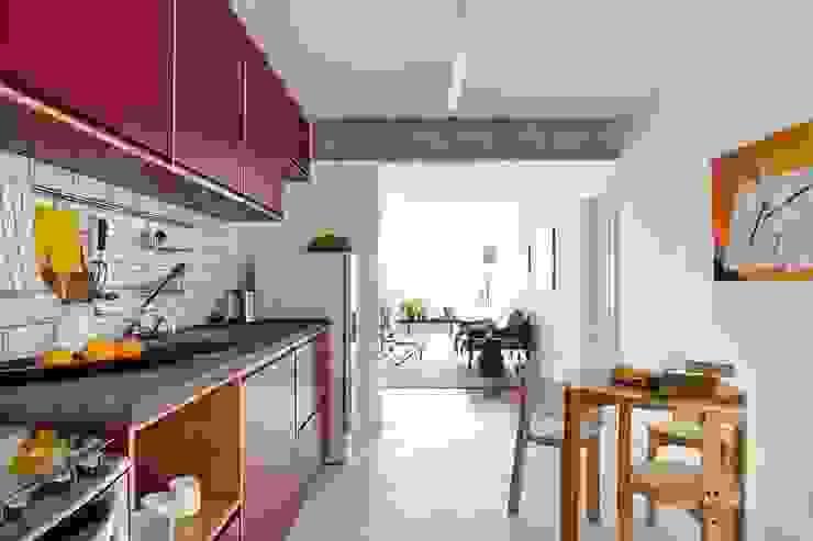 Cuisine moderne par INÁ Arquitetura Moderne