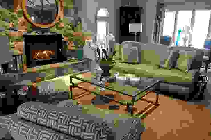 من Kay rasoletti Interior Design كلاسيكي زجاج