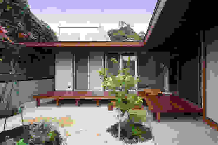 Rumah Gaya Eklektik Oleh アトリエ イデ 一級建築士事務所 Eklektik