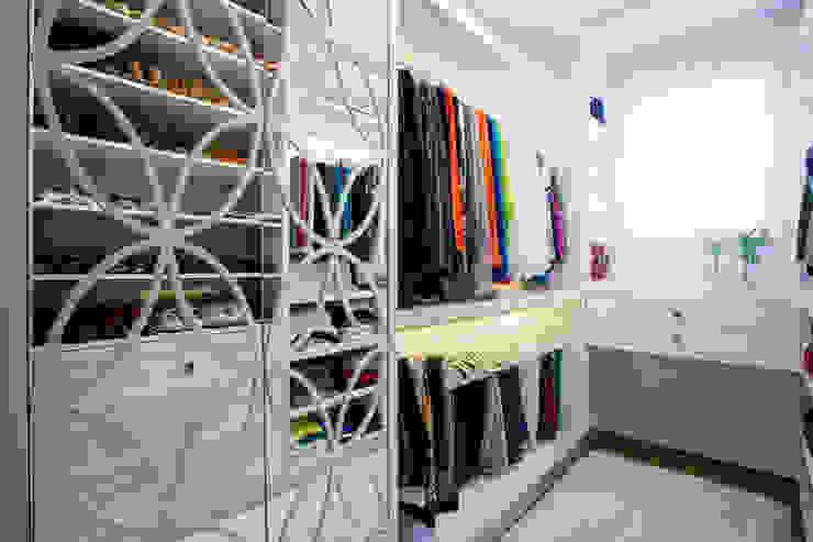 RESIDENCIAL 07 Closets por Apê 102 Arquitetura Moderno