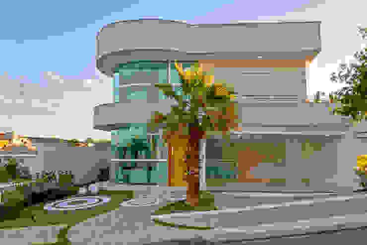 現代房屋設計點子、靈感 & 圖片 根據 Arquiteto Aquiles Nícolas Kílaris 現代風