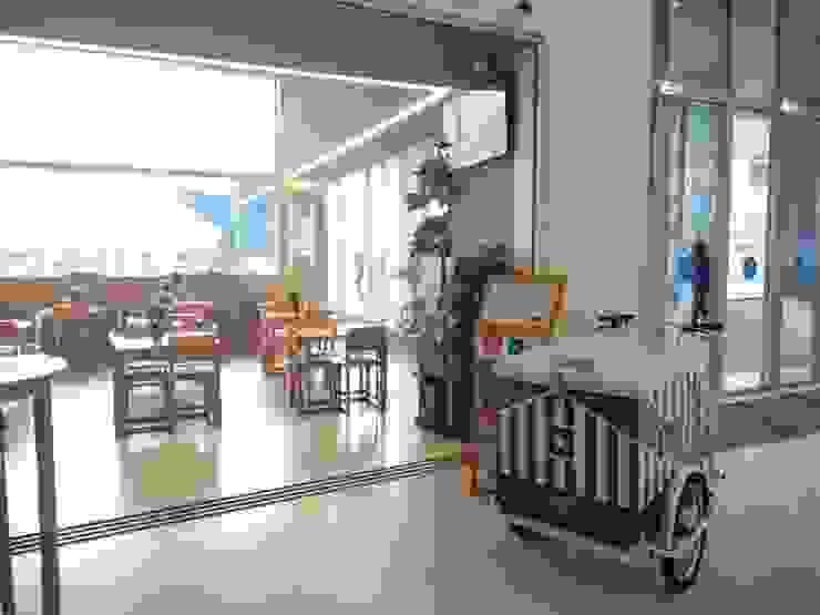 Museu Caffé_FCP Espaços comerciais eclécticos por GRAU.ZERO Arquitectura Eclético