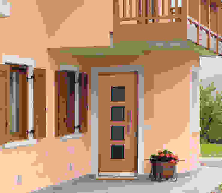 Portas e janelas modernas por Gasperotti Srl Moderno