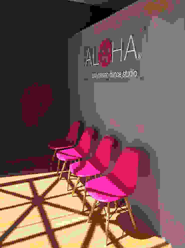 Aloha de AAVA Arquitectura Moderno