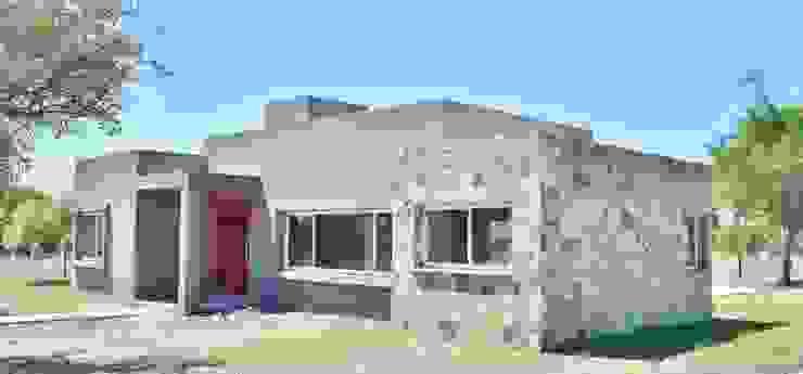 Carlos Iriarte arquitectura Modern Houses