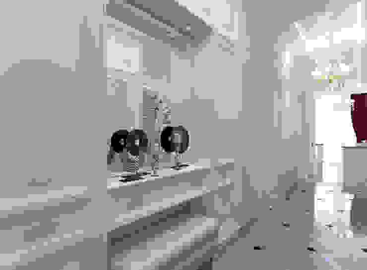 Дизайн трехкомнатной квартиры в классическом стиле площадью 100 кв.м Коридор, прихожая и лестница в классическом стиле от Студия интерьера Дениса Серова Классический