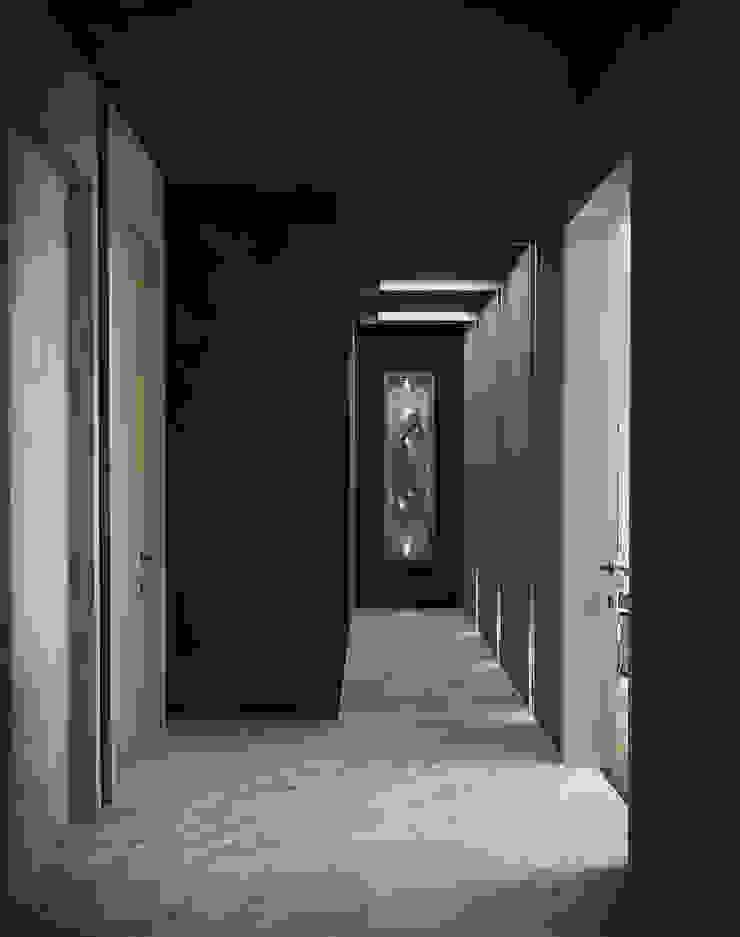 Günçe House Modern Koridor, Hol & Merdivenler HePe Design interiors Modern