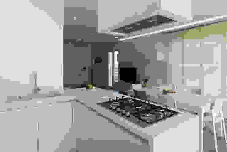 Cocinas de estilo moderno de DFG Architetti Associati Moderno
