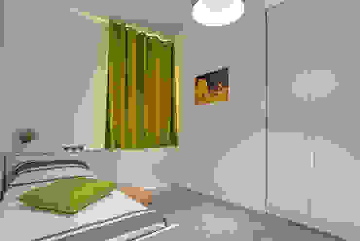 Dormitorios de estilo moderno de DFG Architetti Associati Moderno