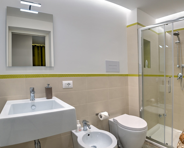 Baños de estilo moderno de DFG Architetti Associati Moderno
