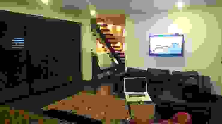 Estar habitación principal. Salas modernas de homify Moderno Madera Acabado en madera