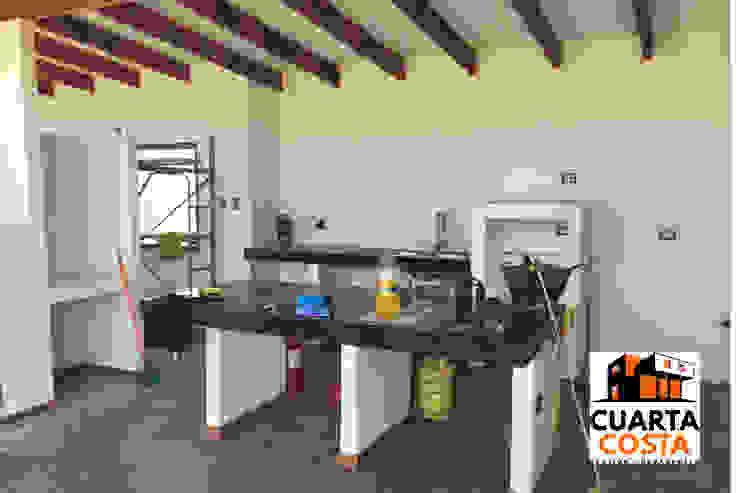 Vivienda 212 m2 Cocinas de estilo clásico de Cuarta Costa Clásico