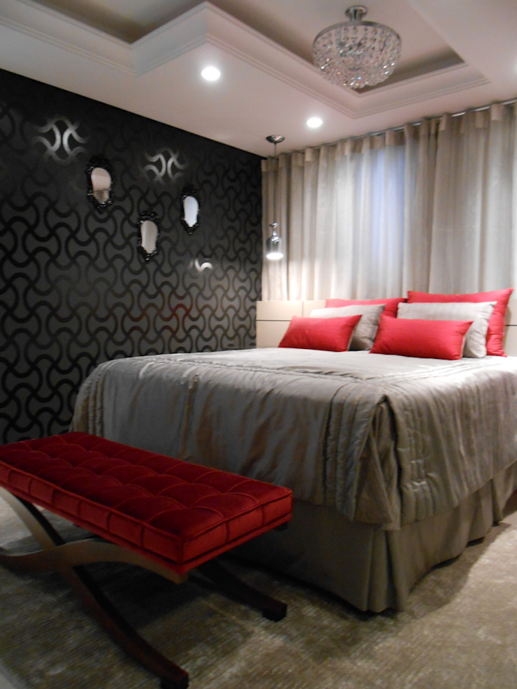 contempory master bedroom. Black,beige,grey and red Eclectic style bedroom by Mariana Von Kruger Eclectic