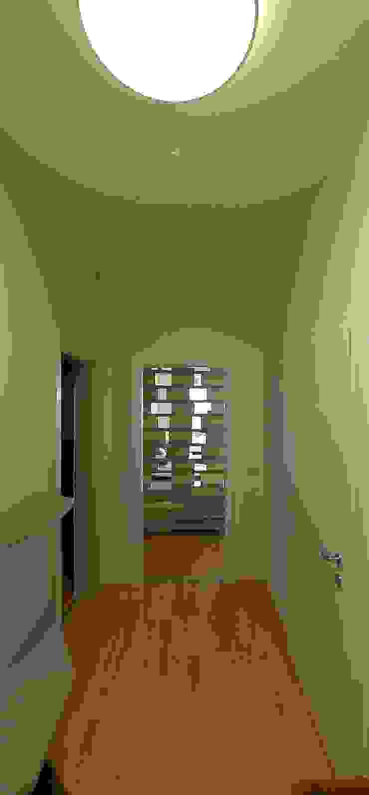 3rdskin architecture gmbh Pasillos, vestíbulos y escaleras de estilo ecléctico