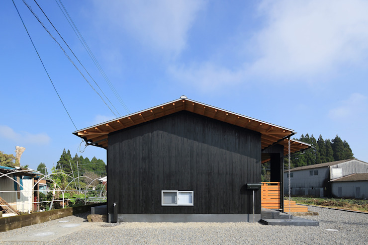 Minimalist house by ㈱ライフ建築設計事務所 Minimalist Wood Wood effect