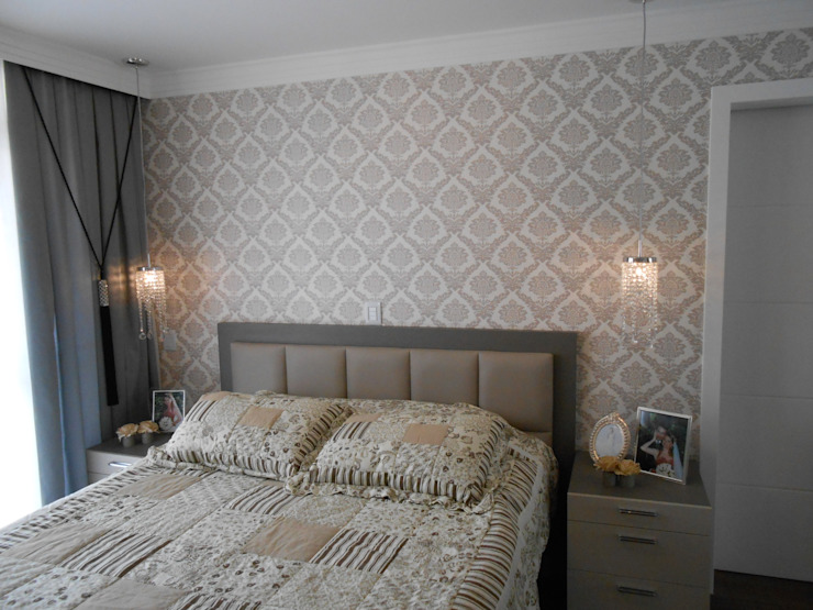 Neutral master bedroom - Quarto de casal neutro Classic style bedroom by Mariana Von Kruger Classic