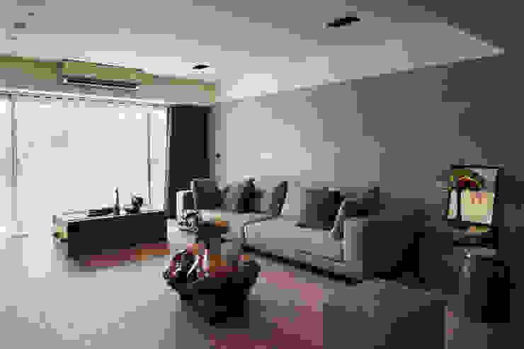 光復大廈 现代客厅設計點子、靈感 & 圖片 根據 AIRS 艾兒斯國際室內裝修有限公司 現代風