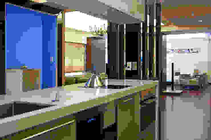 Кухни в эклектичном стиле от AIRS 艾兒斯國際室內裝修有限公司 Эклектичный
