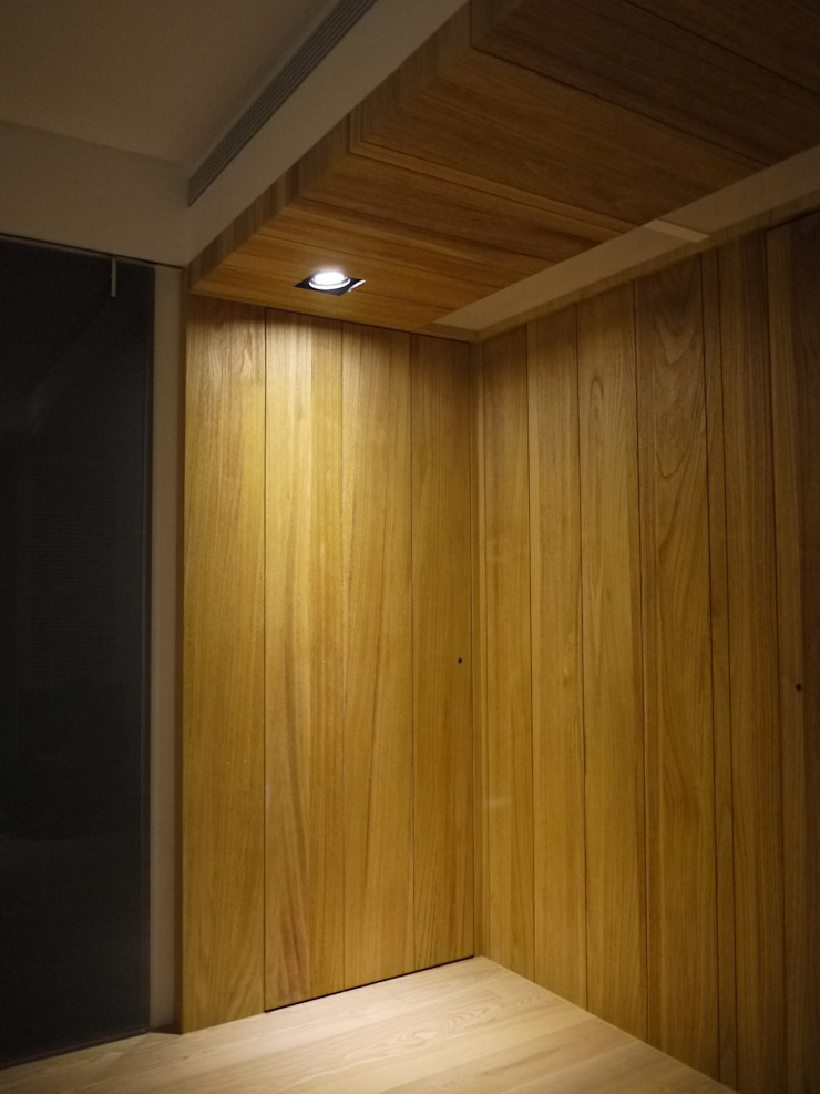民生華廈 現代風玄關、走廊與階梯 根據 AIRS 艾兒斯國際室內裝修有限公司 現代風