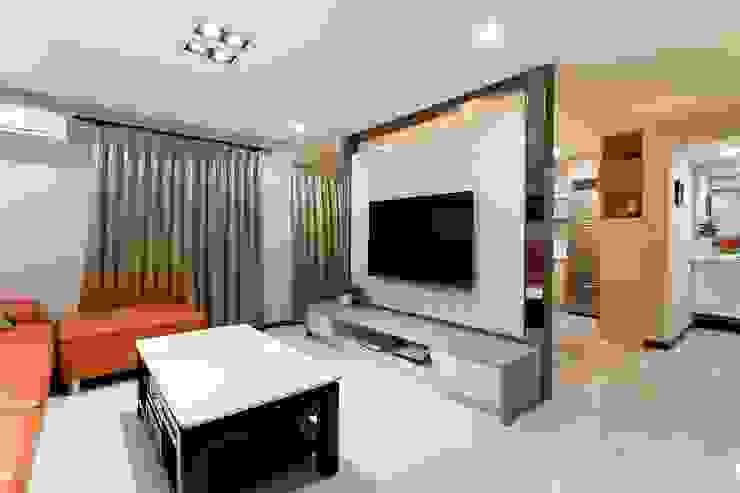 小坪數樓中樓翻新 现代客厅設計點子、靈感 & 圖片 根據 Green Leaf Interior青葉室內設計 現代風